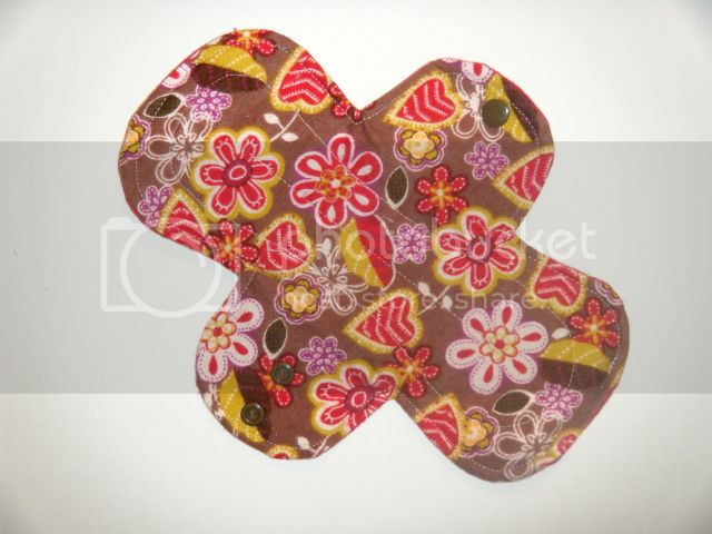 9.5&quot; Regular Cloth Pads - Stitched Floral Flannel