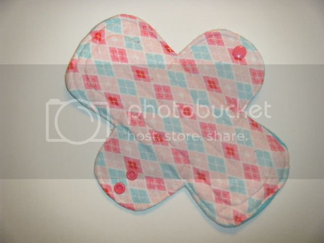 9.5&quot; Regular Cloth Pads - Pink/Aqua Argyle Flannel