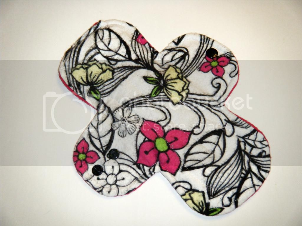 9.5&quot; Regular Cloth Pads - Black Floral/Lime Flannel