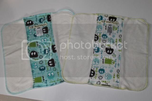 Set of 2 Cloth Diaper Bamboo Prefold - White &amp; Aqua Ooga Booga - Size XS